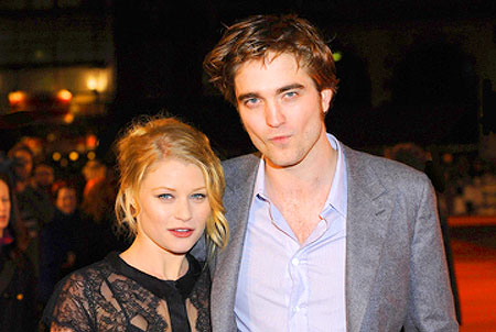 Robert Pattinson och Emilie de Ravin (Photo: Solarpix / Bilder PR)