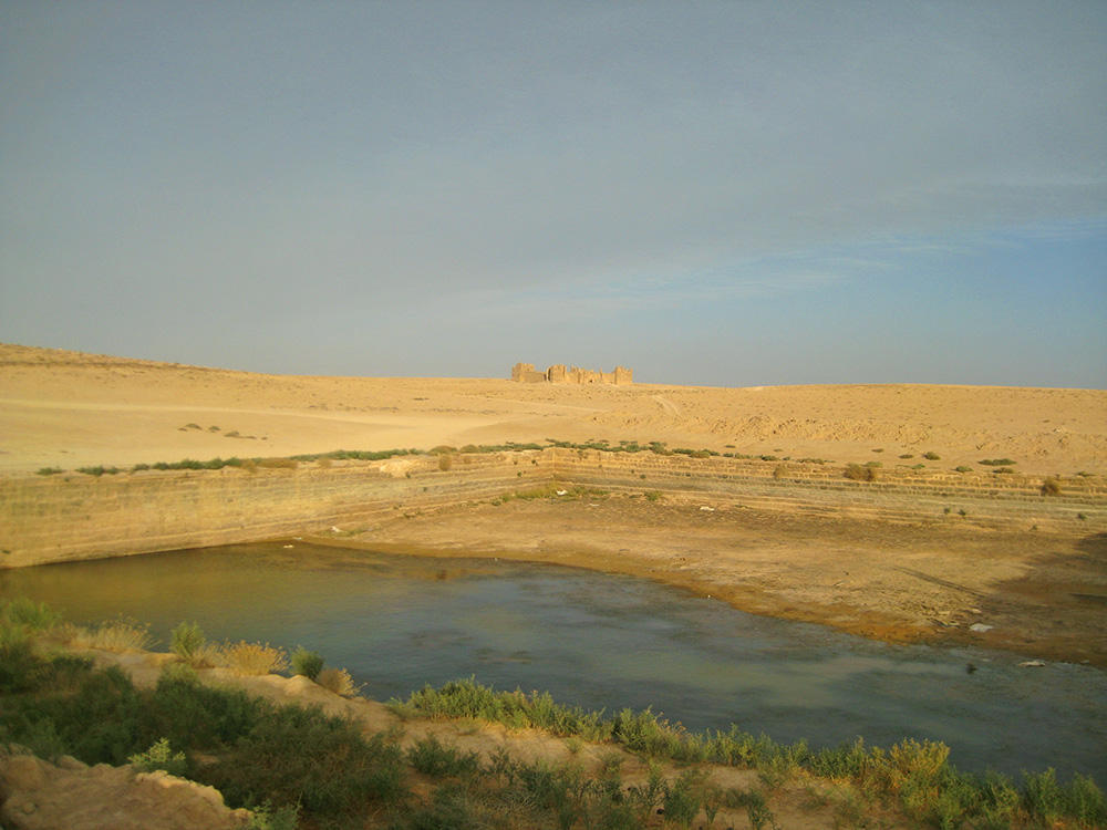 Desert water reservoir